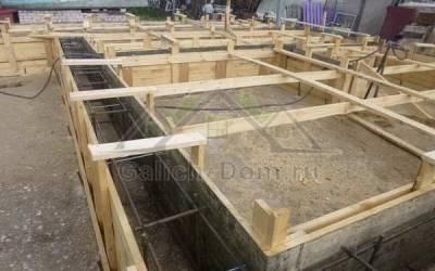Фото (2) - строительство ленточного фундамента