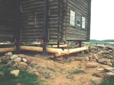 Замена венца в деревянном доме