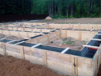 Строительство фундамента размерами 8,5х12 м. в Московской области